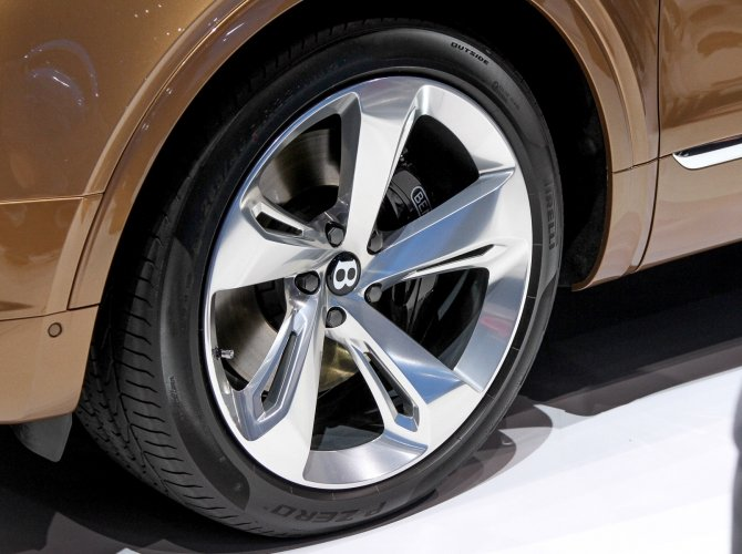 Bentley Bentayga 9.jpg