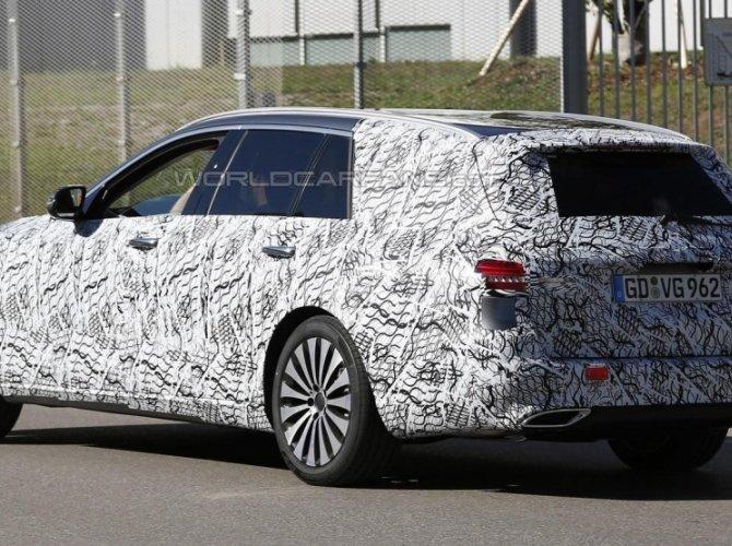 Новый универсал Mercedes-Benz E-Class Estate заснят во время тестов 1.jpg