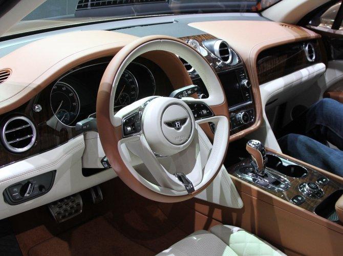 Bentley Bentayga 5.jpg