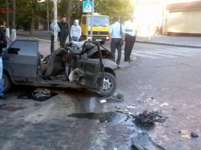 Три человека погибли в ДТП в центре Ростова-на-Дону 3.jpg