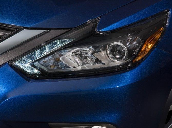 Nissan Altima 2016 9.jpg