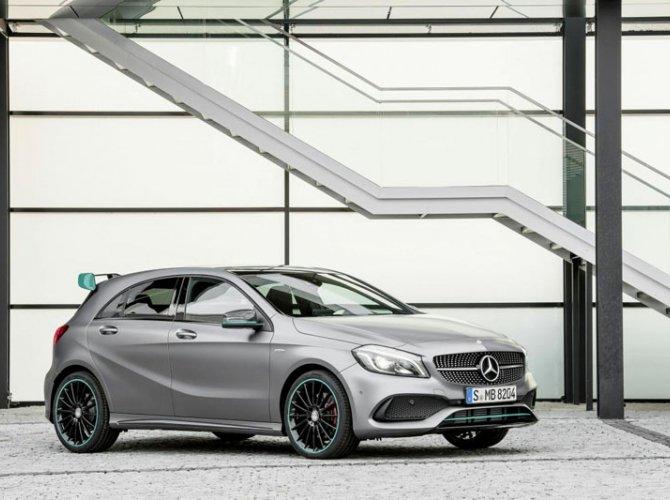 Mercedes-Benz A-Class 2016-2017.jpg