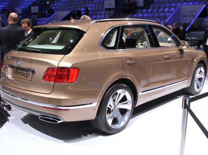 Bentley Bentayga 4.jpg