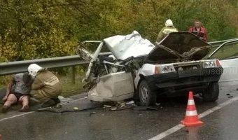Под Самарой в ДТП с КамАЗом погибли двое