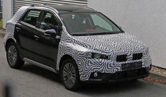 В Сеть выложили шпионские фото интерьера обновленного Suzuki SX4