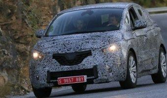 Прототип Renault Scenic был заснят во время тестов в Европе
