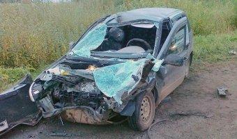 В Кирове в ДТП погибли три человека в Lada Kalina, еще четверо пострадали
