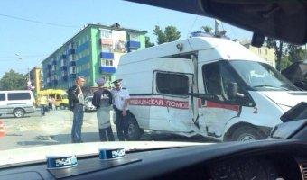 ДТП со двумя машинами скорой помощью в Южно-Сахалинске