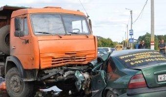 Смертельное ДТП в Саранске: КАМАЗ и Opel