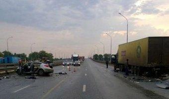 Видео с места смертельного ДТП с фурой и Hyundai в Башкирии