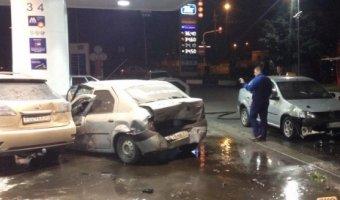 В Белгороде пьяная 19-летняя девушка на Lexus врезалась в АЗС, уходя от погони