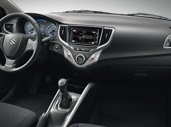 Suzuki Baleno 2016 interior 13.jpg