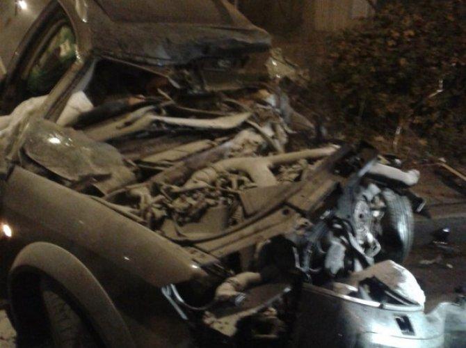 На Портовой улице грузовик «вскрыл» Audi – погиб человек 3.jpg