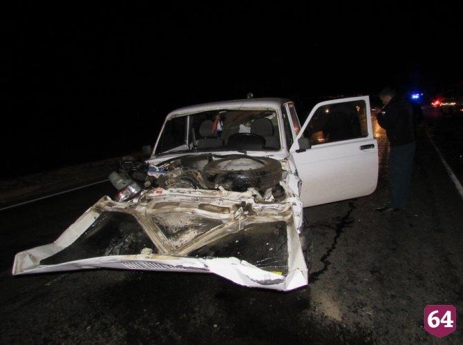 Под Саратовом в ДТП с микроавтобусом пострадали семь человек 6.JPG