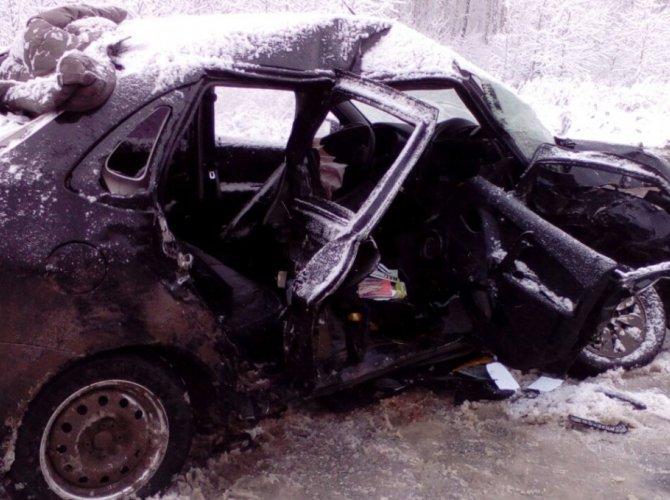 В аварии под Каменском-Уральским погибли два человека 1.jpg