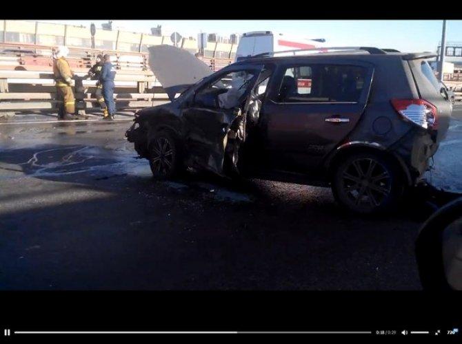 В массовом ДТП в Петербурге пострадали четверо 4.jpg