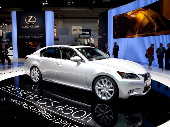 седан Lexus GS 450h.jpg