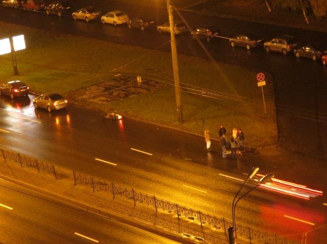 На Индустриальном проспекте в ДТП пострадал мотоциклист 2.jpg