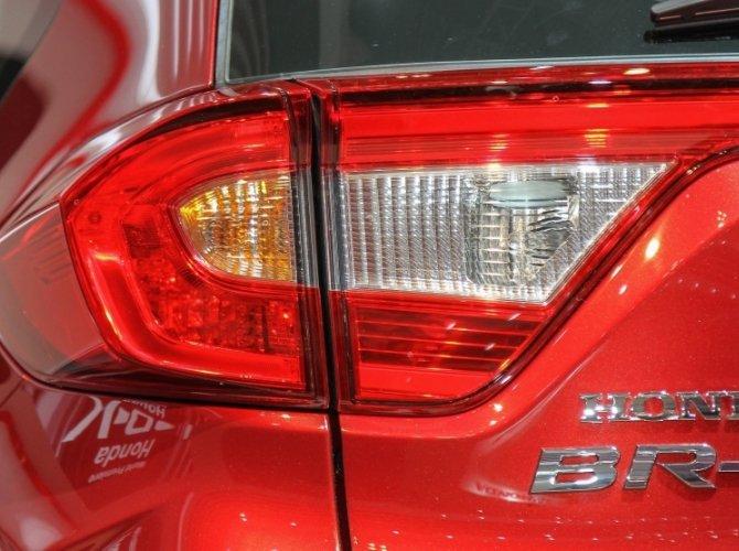Honda BR-V 5.jpg