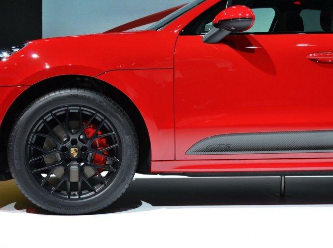 Porsche Macan GTS 4.jpg