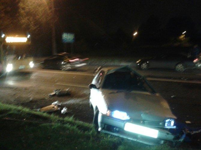 На шоссе революции разбился пьяный мигрант 2.jpg