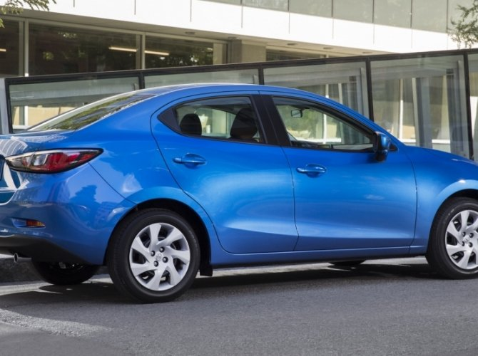 Toyota Yaris Sedan 2016 1.jpg