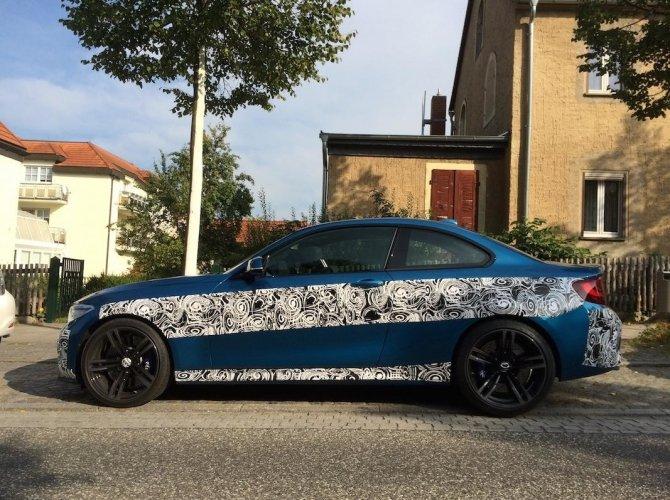 Новый BMW M2 2016 рассекретили перед премьерой 3.jpg