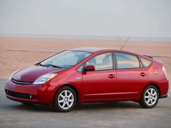 гибрид Toyota Prius 2.jpg