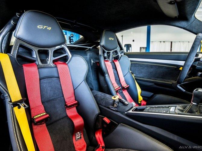 Porsche Cayman GT4 Clubsport 2.jpg