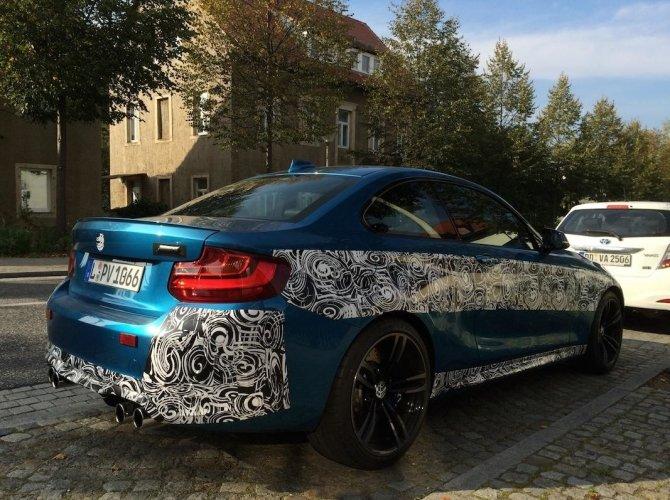 Новый BMW M2 2016 рассекретили перед премьерой 2.jpg