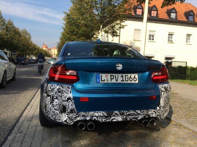 Новый BMW M2 2016 рассекретили перед премьерой 4.jpg