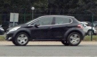 В Европе замечен неизвестный кроссовер от Peugeot