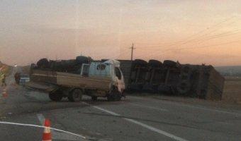 В ДТП с грузовиками под Иркутском погибли два человека