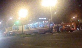 На улице Коллонтай трамвай задавил женщину
