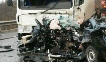 Под Мурманском в ДТП погибли три человека на Lada Granta