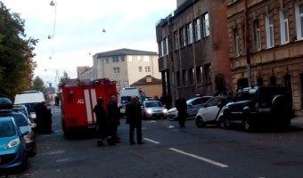 В Василеостровском районе BMW врезалась в дом