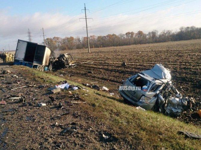 Три человека погибли в ДТП с фурой в Калининском районе 2.jpg