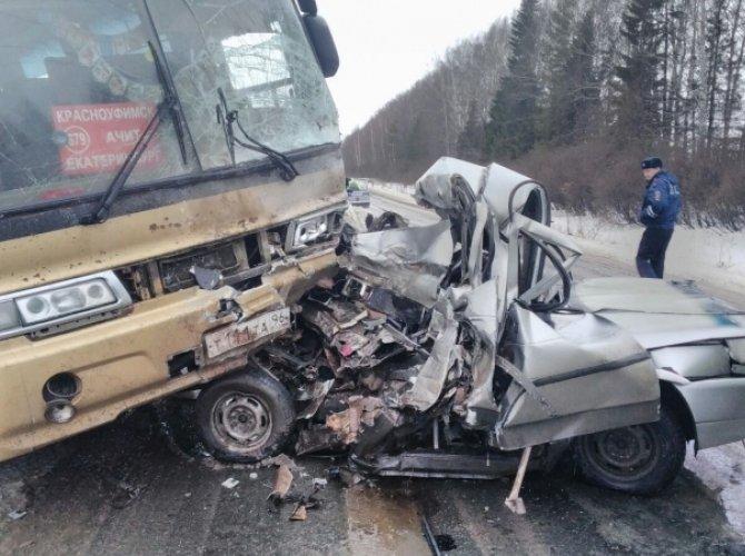 Возле Ачита в ДТП с автобусом погиб человек 1.jpg