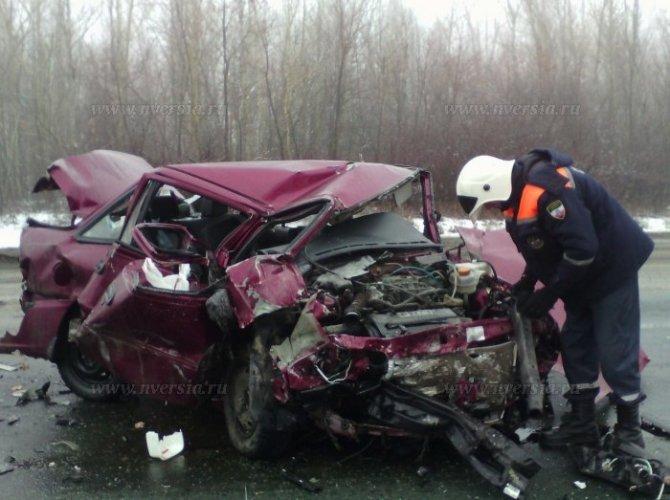 Под Саратовом в ДТП погибли два человека 2.jpg