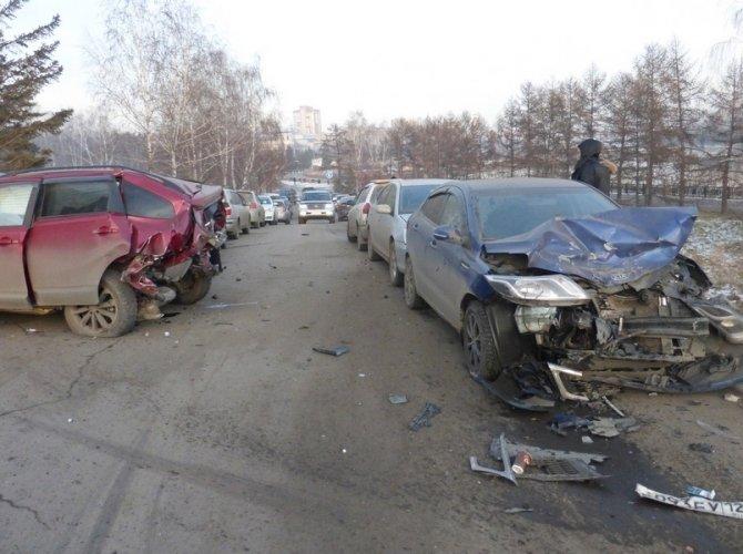 В Красноярске в массовом ДТП погибла 5-летняя девочка 2.jpg