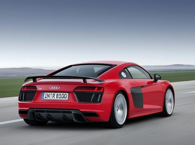 2016 Audi R8 3.jpg