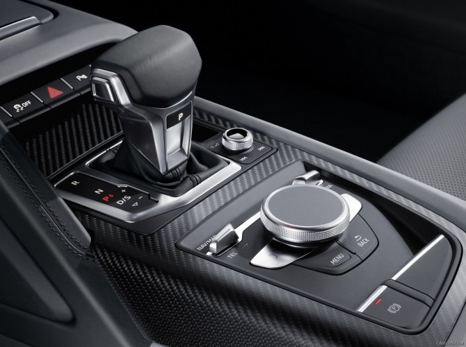 2016 Audi R8 5.jpg