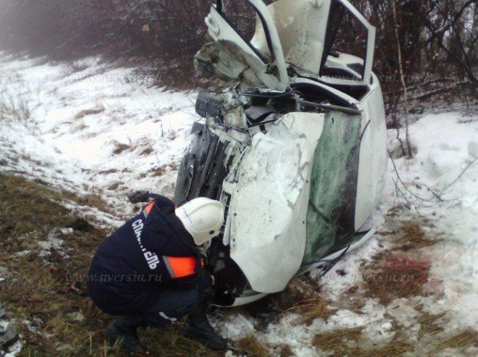 Под Саратовом в ДТП погибли два человека 3.jpg