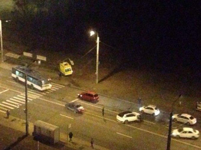 Массовое ДТП на проспекте Ветеранов с участием «скорой помощи» 05.11.15 9.jpg