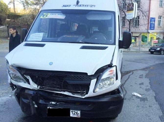 В Кисловодске в ДТП с маршруткой пострадали 7 человек.jpg