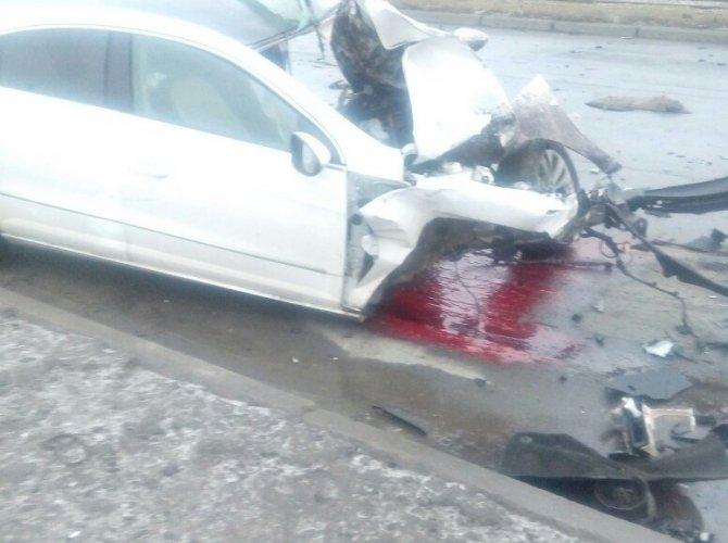 На Дальневосточном проспекте при столкновении Volkswagen со столбом погибла девочка 3.jpeg