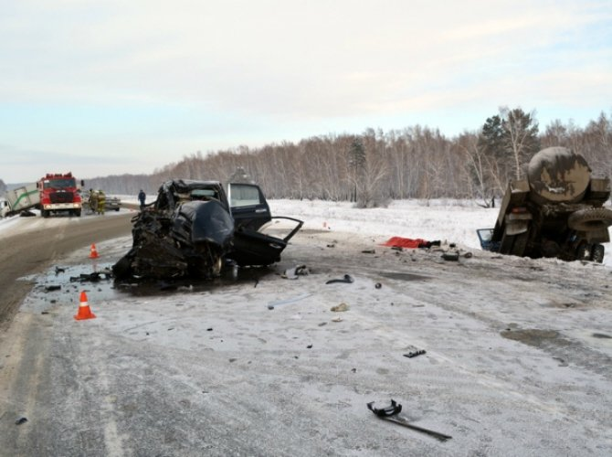 Под Иркутском в ДТП погибли три человека 1.jpg