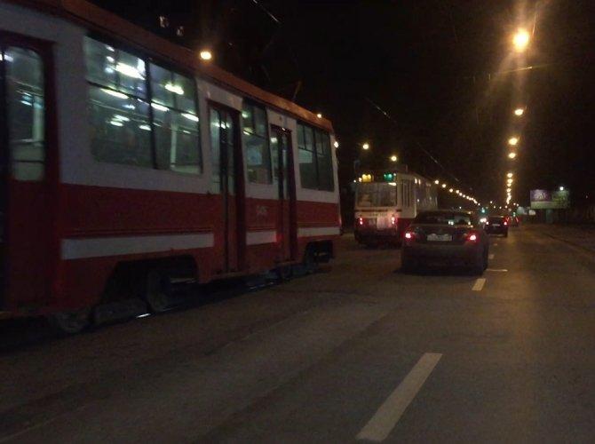 ДТП на Лесном проспекте на трамвайных рельсах