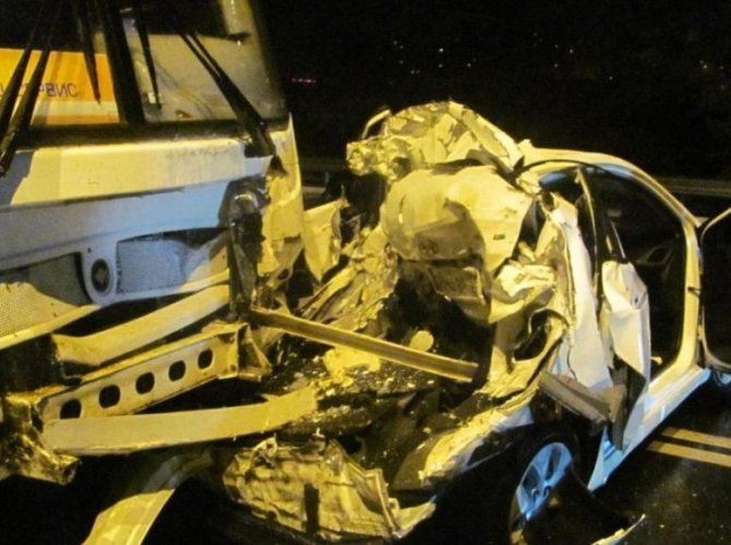 В Белгороде на Ватутина в ДТП с автобусом погибла девушка 1.jpg