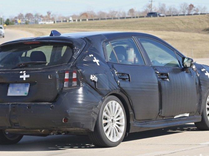 Шпионские фото нового поколения Subaru Impreza 6.jpg